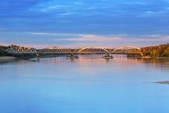 Gammal bro över Vistula River i Torun Royaltyfria Bilder