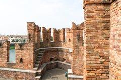 Gammal bro Verona Italy Arkivfoton