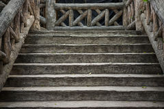 Gammal brun trätrappa Fotografering för Bildbyråer