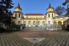 Gammal brunnsortbyggnad i Banja Koviljaca, Serbien Arkivbilder