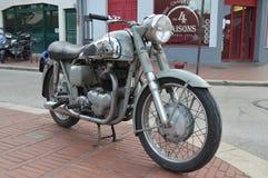 Gammal BSA-motorcykel Royaltyfri Foto