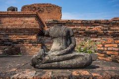 Gammal buddha staty Arkivbilder