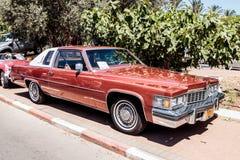 Gammal Buick cabriolet på en utställning av gamla bilar i den Karmiel staden Royaltyfri Bild