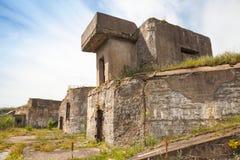 Gammal bunker från WWII-period Totleben fortö Arkivfoto