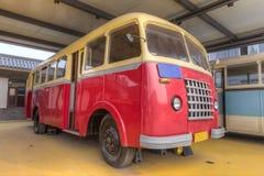 Gammal buss Royaltyfria Bilder