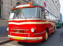 Gammal buss LAZ-695 Royaltyfri Fotografi