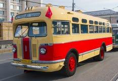 Gammal buss ZIS-155 Arkivbilder