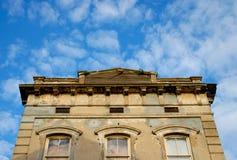 gammal byggande facade 2 royaltyfri fotografi