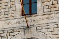 Gammal byggnad för franska egenar i porten av La Rochelle France arkivfoton