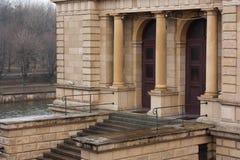 Gammal byggnad för kläder royaltyfria foton