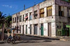 Gammal byggnad i den Baracoa Kuban Royaltyfri Fotografi