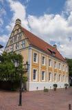 Gammal byggnad i den historiska mitten av Lingen arkivbilder