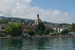Gammal byggnad i Evian-les-Bains royaltyfri bild