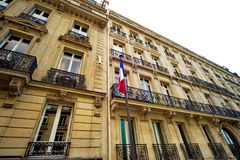 Hus i Paris Royaltyfri Fotografi