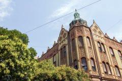Gammal byggnad i Szeged Royaltyfri Bild