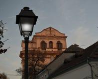 Gammal byggnad med ett gammalt historiskt royaltyfri fotografi