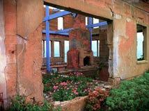 Gammal byggnad på den Alcatraz ön San Fransisco California arkivbild
