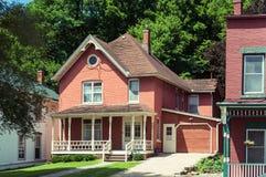 Gammal byggnad på en gata av Galena, Illinois Arkivbilder