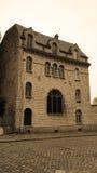 Gammal byggnad på Monmartre Royaltyfri Bild