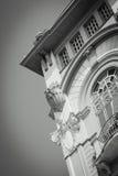 Gammal byggnad på Plaza de la Administracion Guayaquil Royaltyfria Bilder