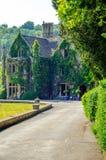 Gammal byggnad stiliserade för den historiska slotten, karakteristisk turr Arkivfoto