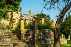 Gammal byggnad stiliserade för den historiska slotten, karakteristisk turr Fotografering för Bildbyråer
