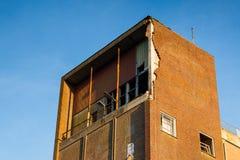 Gammal byggnadsfabrik för rivning Arkivfoto