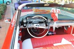 Gammal Cadillac bil Arkivfoton