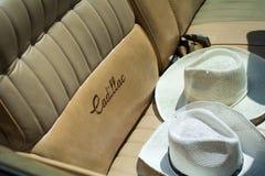 Gammal Cadillac eldorado på årlig oldtimerbilshow Arkivfoton