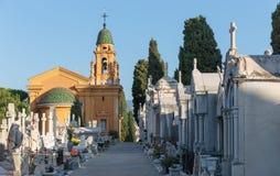 Gammal Chateaukyrkogård i Nice på slottkullen Arkivfoto