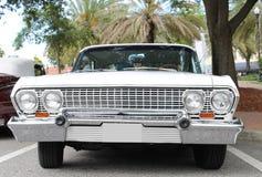 Gammal Chevrolet bil Arkivfoton