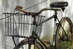 gammal cykel 2 Royaltyfria Bilder