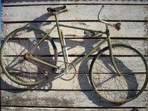 gammal cykel Royaltyfri Bild