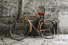 gammal cykel Arkivbild