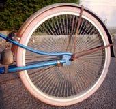 Gammal cykel för eker Royaltyfri Fotografi