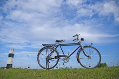 Gammal cykel, gammal cykel i Thailand Arkivbilder