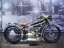gammal cykelmotor royaltyfri bild