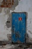 Gammal dörr Arkivbilder