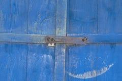 gammal dörr E r där tonar royaltyfri bild