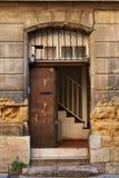 Gammal dörr i Aix en Provence, Frankrike Arkivfoton