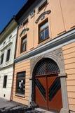 Gammal dörr i den Levoca staden Arkivbild