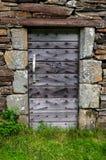 Gammal dörr - land Fotografering för Bildbyråer