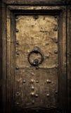 Gammal dörr, Rome, Italien Arkivbilder