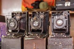 Gammal dammig kamera Teknologi av det sista århundradet Högvärdig fotografiutrustning Arkivbild