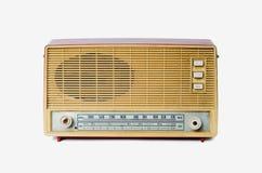 Gammal dammig radio från 1970 som isoleras på vit bakgrund royaltyfri bild