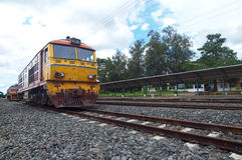 Gammal diesel- lokomotiv Royaltyfri Foto