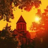 Gammal domkyrka på solnedgången Royaltyfri Fotografi