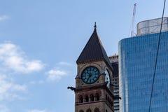 Gammal domstol för klockatorn som bygger Toronto Ontario Kanada arkivbilder