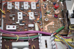 Gammal eclectronic strömkrets arkivbild