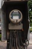 Gammal elektrisk meter Arkivbild